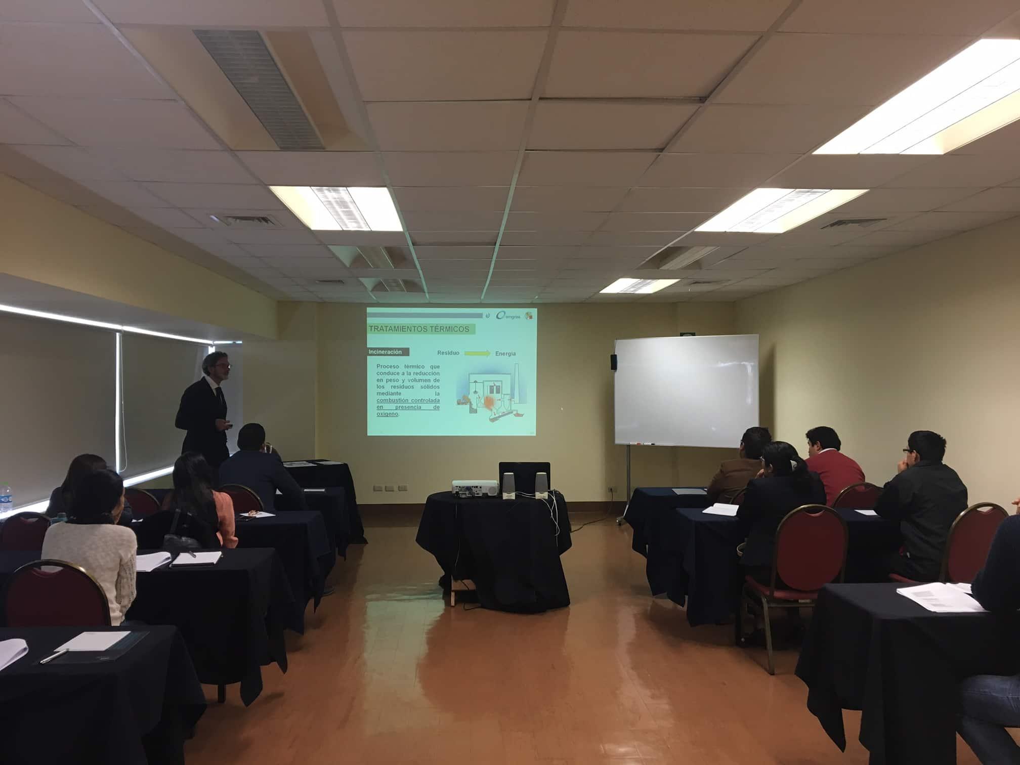 Emgrisa participa en un Seminario sobre la Gestión de Residuos Sólidos en Lima