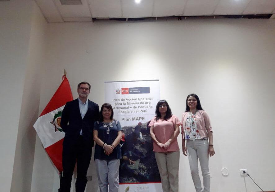 Trabajadores de Perú y Emgrisa en el Proyecto MAPE